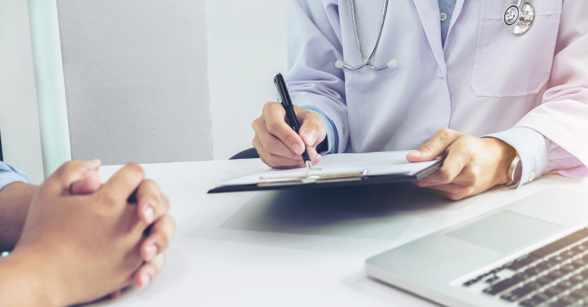 healthcare-professionals-writing