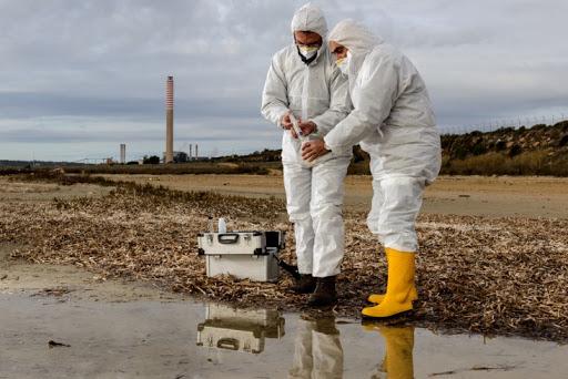 OSHA-Inspector-Perfoming-Environmental-Tests